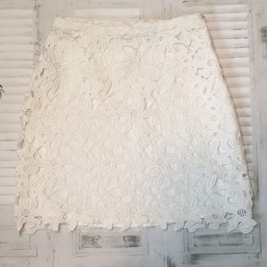 Lovers + Friends white lace mini skirt sz XS